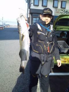 旧の赤灯台でエビまき釣り、ハネ・スズキ!!