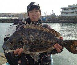 淀川河口 フカセでチヌ~52㎝5匹!