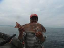 和歌山北港魚つり公園 マダイ55cmをキャッチ