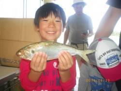 イイ型の魚が釣れてニッコリ!姫路市立遊漁センター