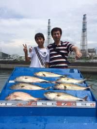マリーナシティ海洋釣り堀でカンパチ6本にマダイの釣果