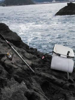 下浜港周辺の地磯にてフカセ釣り チヌとカンダイの釣果