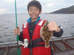 須磨海釣り公園 投げ釣りでカレイ23cm