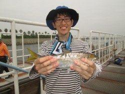 サバ、イワシの回遊のアリ!尼崎市立魚つり公園