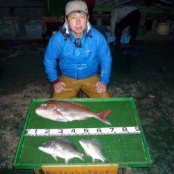 海山フィッシングセンター 釣果   三重県   釣果情報 堤防 ジギング 船釣 管理釣り場 釣り情報   カンパリ全国版