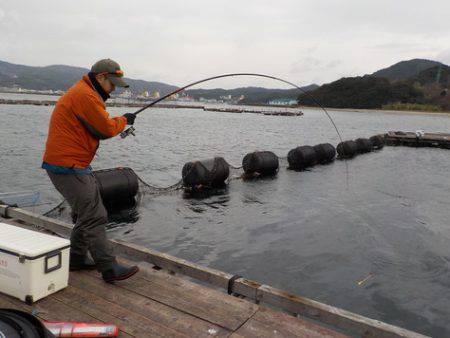 淡路じゃのひれフィッシングパーク 釣果 | 淡路島 | 釣果情報 堤防 ジギング 船釣 管理釣り場 釣り情報 | カンパリ全国版
